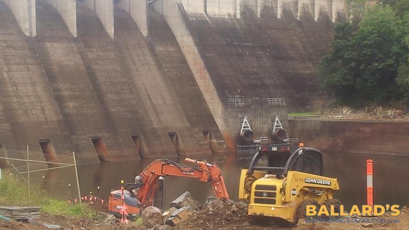 complex infrastructure earthworks somerset dam