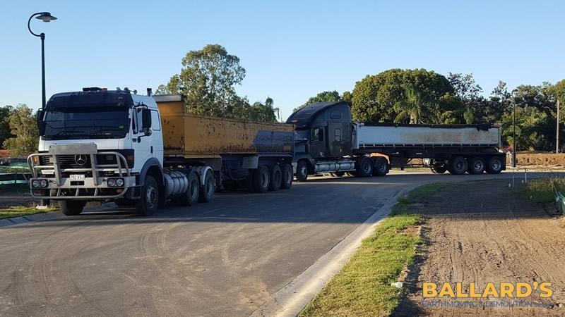 Freightliner & Moore Side Tipper truck