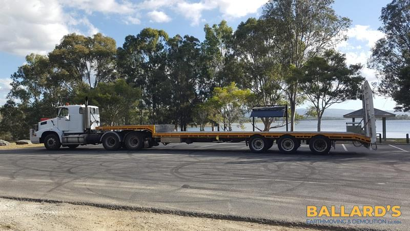 equipment haulage service Brisbane