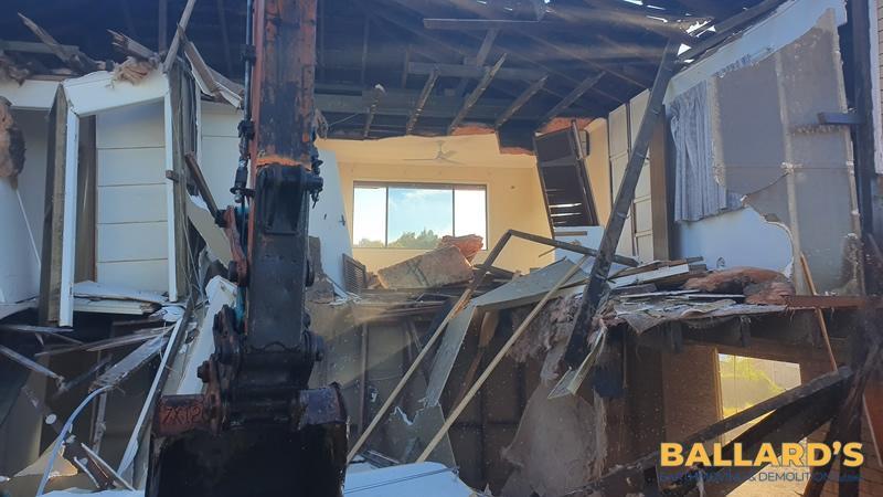 house demolition contractor brisbane