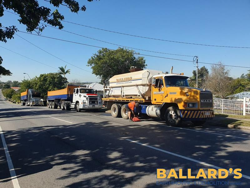 Water Truck Rubbish Removal Truck